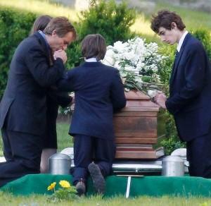 praying-over-kennedy-coffin